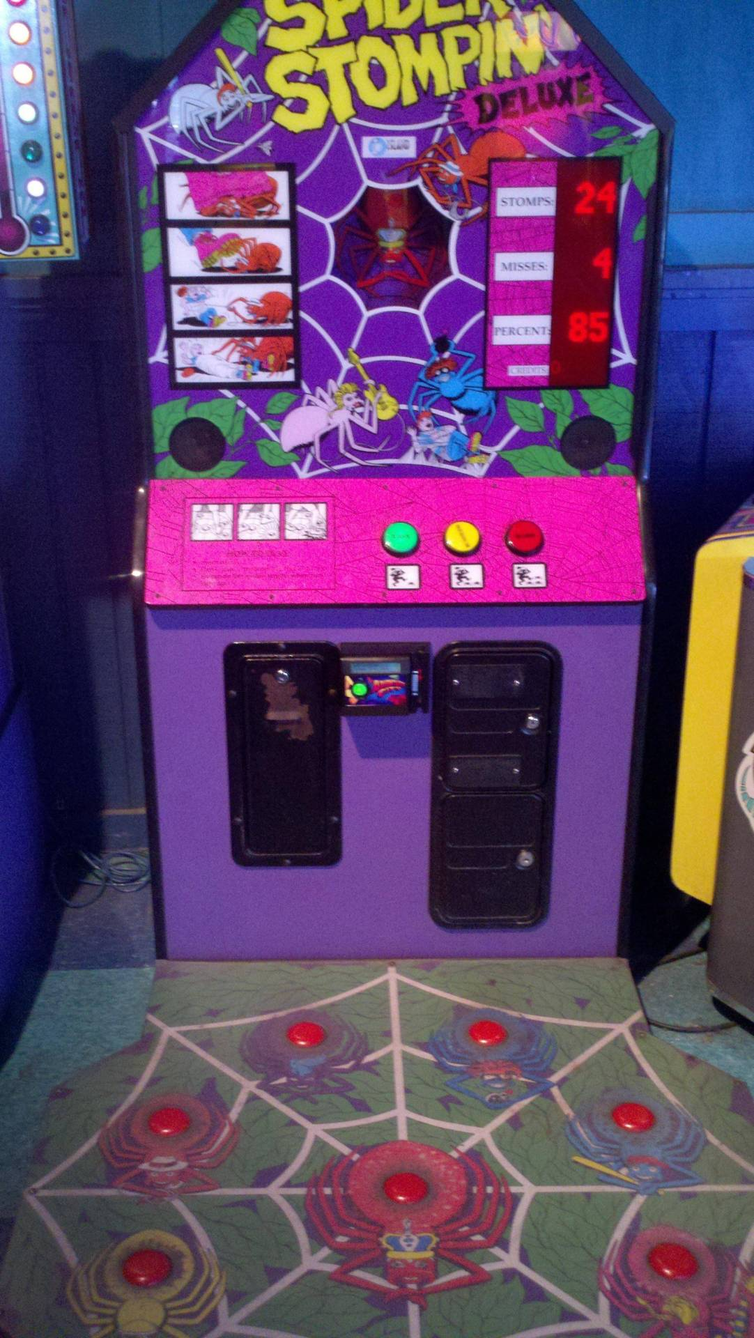 Omg! Yes, this was my favorite game at the arcade!