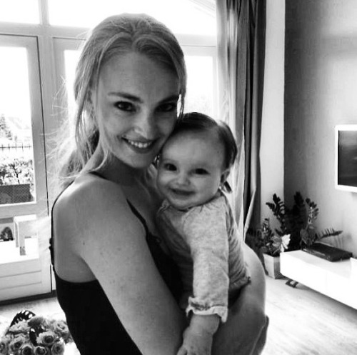 modelspersonal:  Ymre with her baby