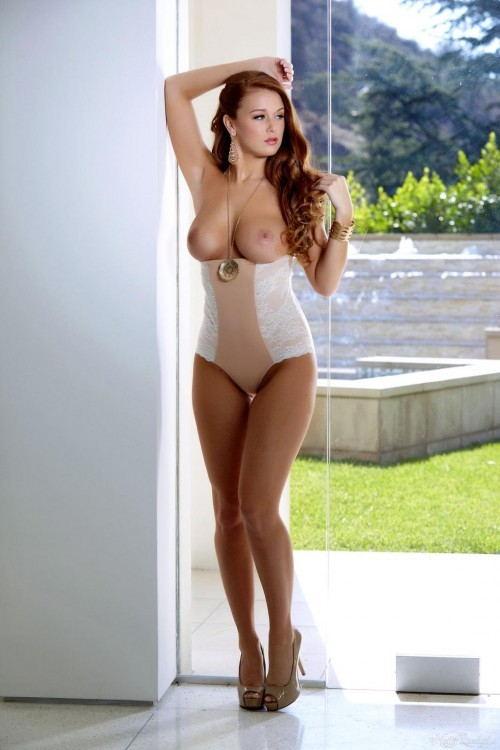Leanna Decker is Pin-Up Beautiful in High-waisted Panties