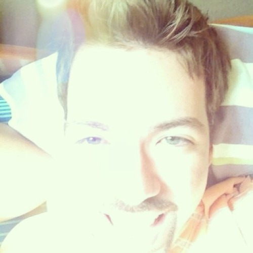 #gay #gays #gayboy #blonde #blueeyes #greeneyes #smile #morning #boy #male #man #guy #