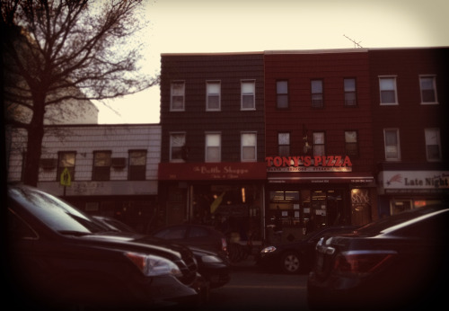 johnnybagel:  Tony's > Carmine's (taken from in front of Carmine's)