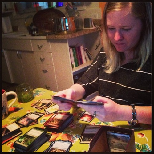 verofrijole:  I don't think Rachael is ready to go though… #mtg #dontyouknowweregoingtoaconcert!! #tisktisk #widowspeak #hollandproject  This is how I play MTG, as a card collecting and sorting game. <3