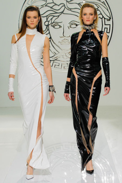 coco-lagerfeld:  Kasia Struss and Daris Strokous werking the Versace Fall 2013 Finale!