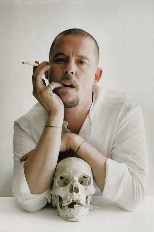 3 years ago… Alexander McQueen 17 March 1969 - 11 February 2010  you idiot, come back!