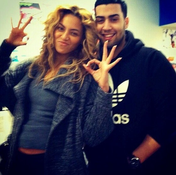 beyonceinfo:  NEW: Beyoncé and a fan