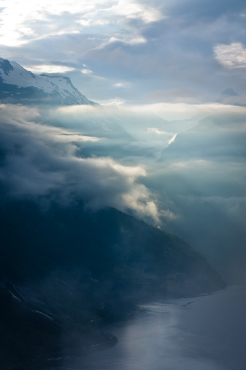 mystic-revelations:  Deep Silence By think4d