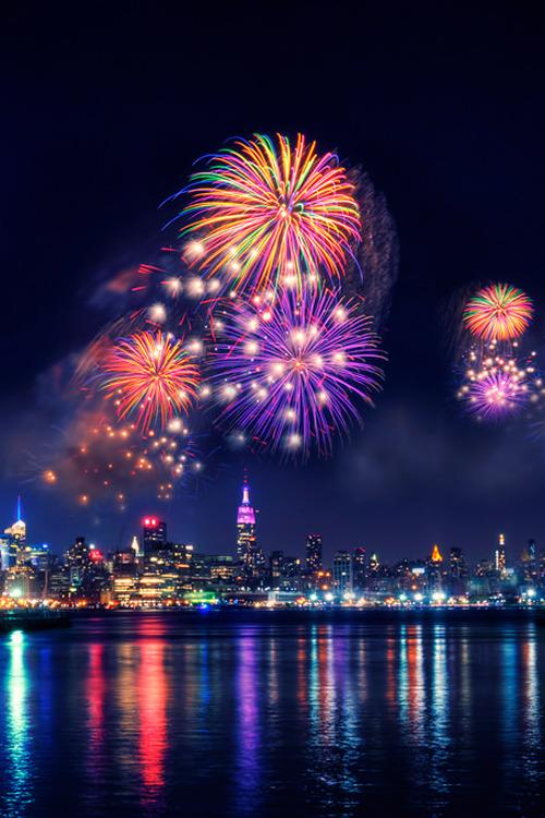 plasmatics-life:  New York | Fireworks (byMoniza*)