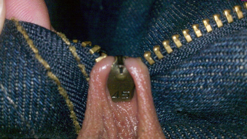 thaunderground:  mephistosplayground:  powerinsideofme:  I call my zipper in my ball sac. Please send help. Going to the emergency room.  How'd you get the beans above the franks!     Ouch !!!