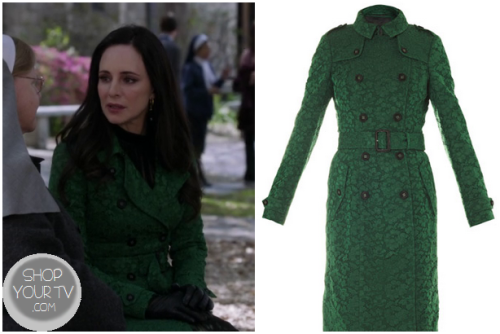 Victoria Grayson (Madeleine Stowe) wears this green lace coat in this week's episode of Revenge.  It is the BURBERRY PRORSUM Lace fishtail trench coat.  Buy it HERE for $5000