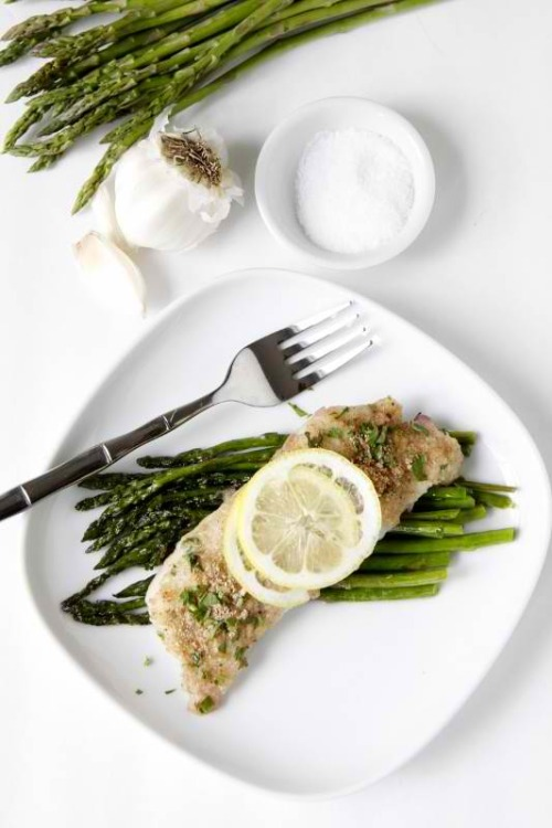 p-ineappletrees:  kusubi:  Herb Crusted Baked Cod  get in me