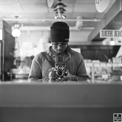 Another self portrait with my trusty Rollei ^_^Rolleiflex 2.8c (Xenotar) + Kodak 400TX @ asa 800