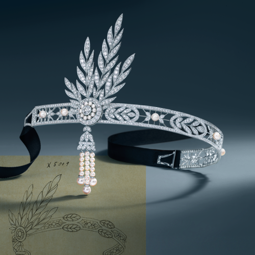 gatsbymovie:  From Daisy's wardrobe to yours - the Savoy headpiece fromThe Great Gatsby collection at Tiffany & Co. Browse their exquisite Jazz Age Glamour pieces: http://www.tiffany.com/