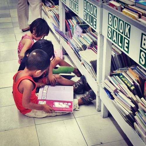 Such a happy feeling to see kids so excited to read books. (at Makati Cinema Square)