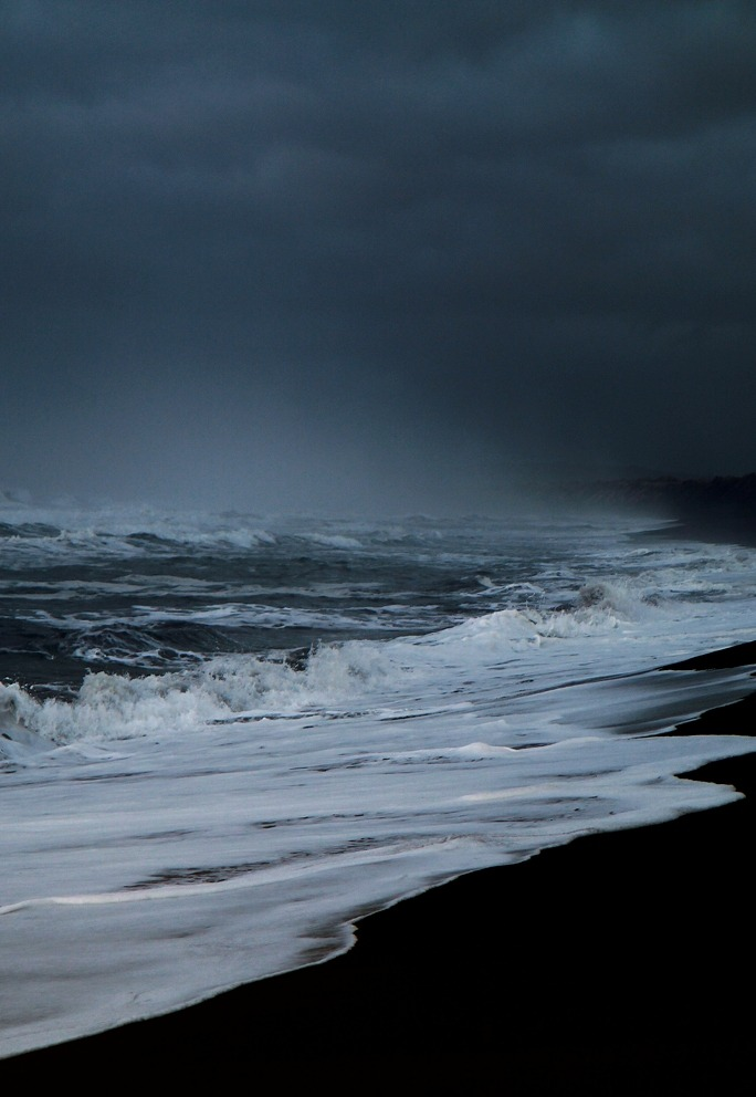 0rient-express:  This morning on the beach (by Sverrir Thorolfsson).