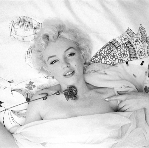 perfectlymarilynmonroe:  Marilyn photographed by Cecil Beaton in 1956.