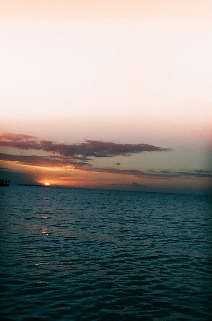 pokec0re:  key largo sunset by EllenJo on Flickr.