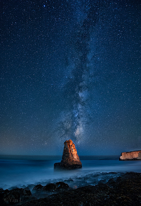 brutalgeneration:  Under the Milky Way (by Yan Photography)