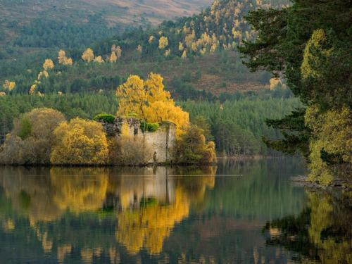 scotland uk loch autumn forest loch an eilein europe travel lake ruins