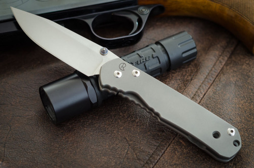 everyday-cutlery:  Chris Reeve Large Sebenza by MVG  Would love to own one of these one day.