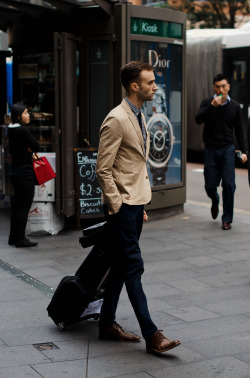 meninthistown:  Mod. Similar look: Fred Perry Blazer Twill.  Gingham, was the tag here. Gingham, indeed. The still-chilly springtime is probably the only really appropriate time for such a clear check—we're all hoping for a little more color, a little more air, and yet layering is necessary. So it will not predominate, but enliven.