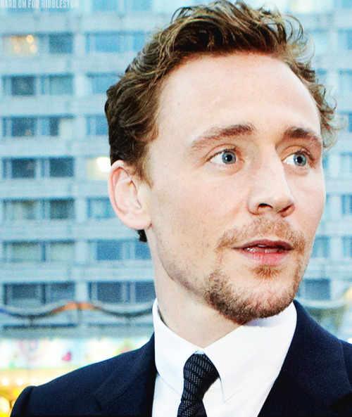 hard-on-for-hiddleston:  [x]