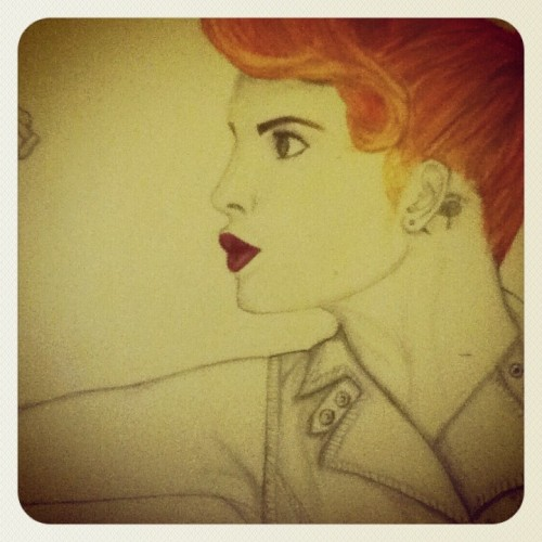It doesn't necessarily relate to the new album but it's a drawing of Hayley that I did a while back. Does this count? Thanks! :D -andthesnakes-start-to-sing  ah that is so good! but sorry, it doesnt really relate to the new album, but still posting it because it's awesome!