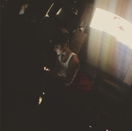 bieber-news:  @codysimpson: nah u get off your phone dude @justinbieber