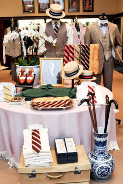 details:  In Brief: Brooks Brothers, which collaborated on many of the costumes from Baz Luhrmann's Great Gatsby, has launched an exclusive Gatsby-themed collection.