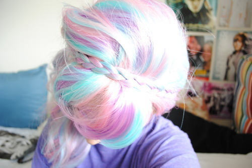I love this pastel hair!