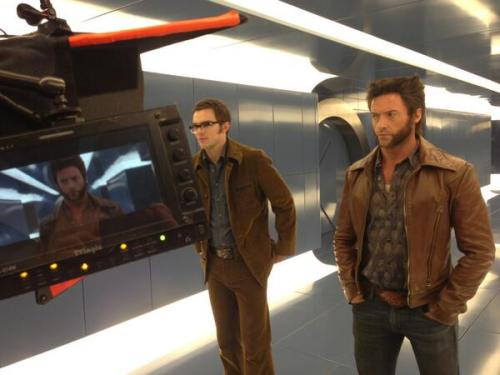 popculturebrain:  First Look: Nicholas Hoult and Hugh Jackman on the set of 'X Men Days of Future Past' | @ BryanSinger