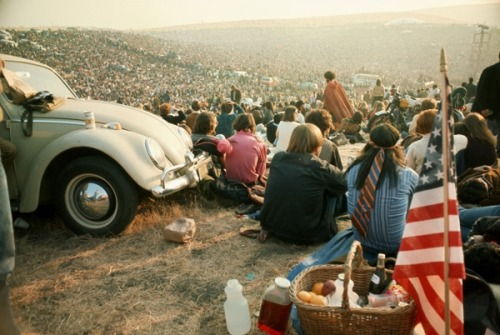 hippist:  rosified:  galo-71:  Rolling stones altamont free concert 1969  oh my god  Actually this is a gathering of all my followers at my first meet and greet. Lol jk . The stones though >