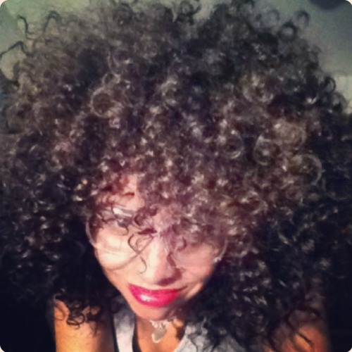 curlyyhairedbeauties:  Instagram - curlybeauties  Gorgeous