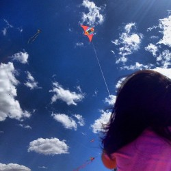#Drachenfest #kite #blue #clouds #color #bestoftheday #guadalajara #igersgdl #instagood #instamood #iphonesia #igermexico #iphoneonly #mexico #mextagram #nature #phonophoto #photophono #picoftheday #photooftheday #statigram #spring #kids