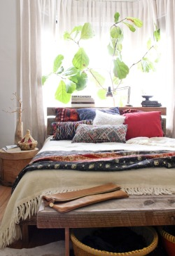 bohemianhomes:  Bohemian homes: beautiful eclectic bedroom