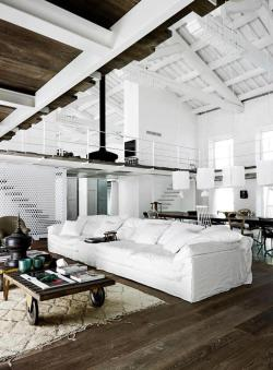 ecogentleman:  Image source: attic space interior design Image upload: Ecogentleman