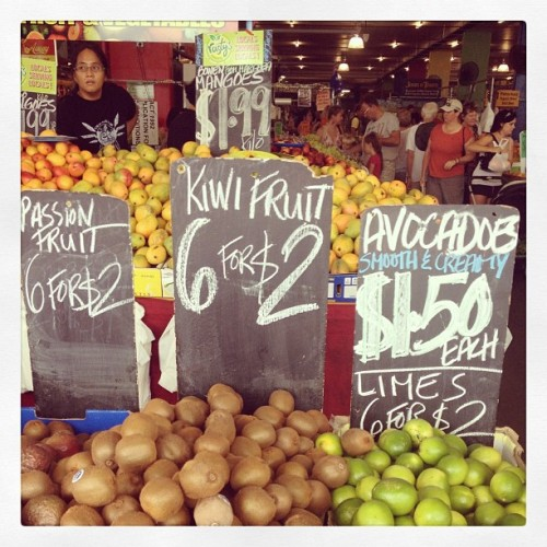 Kiwi, passion fruit, avocado, mangoes and limes at rusty's markets.  (at Rusty's Markets)