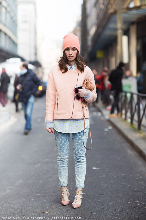 fashiontechsavvy:  To continue with our love of pinks lately, a warmer way to work it, because we know it isn't Summer everywhere. and the Valentino Rockstuds? Just perfect.