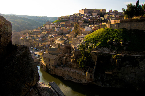 travelingcolors:  The beautiful Toledo | Spain (by dondemola)
