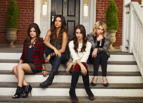 Get the scoop on Pretty Little Liars' all-new recap special here! It's called a LiArs Guide to Rosewood and it covers all things PLL! Mark your calendars for Tuesday, June 4 at 8/7c!