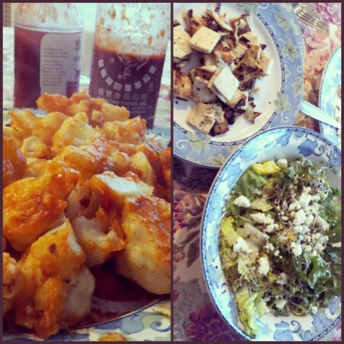 fallingawakeee:  Hot buffalo cauliflowers and tofu love n.n || being kind to my organs #eatclean #veg