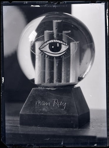 kaplansplaylist:  Man Ray - Boule de neige