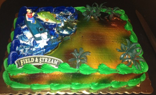 My sister wanted a fishing and hunting Birthday Cake and her wish was granted! YuM 🎉🎂
