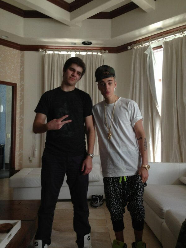 Justin Bieber - Had 3 of the best days ever hanging with this dude right here @justinbieber