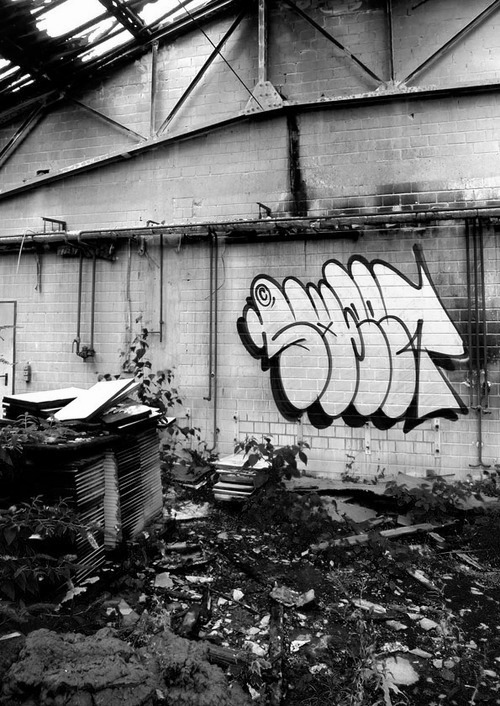 vandal-logic:  Throw up by Sweet.Click here for more.
