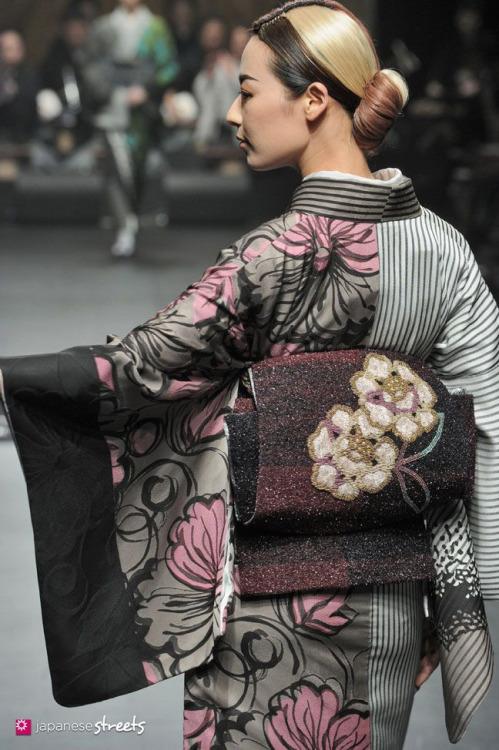 thekimonogallery:  Autumn/Winter 2014 Collection of Japanese fashion brand JOTARO SAITO on March 19, 2014, in Tokyo.