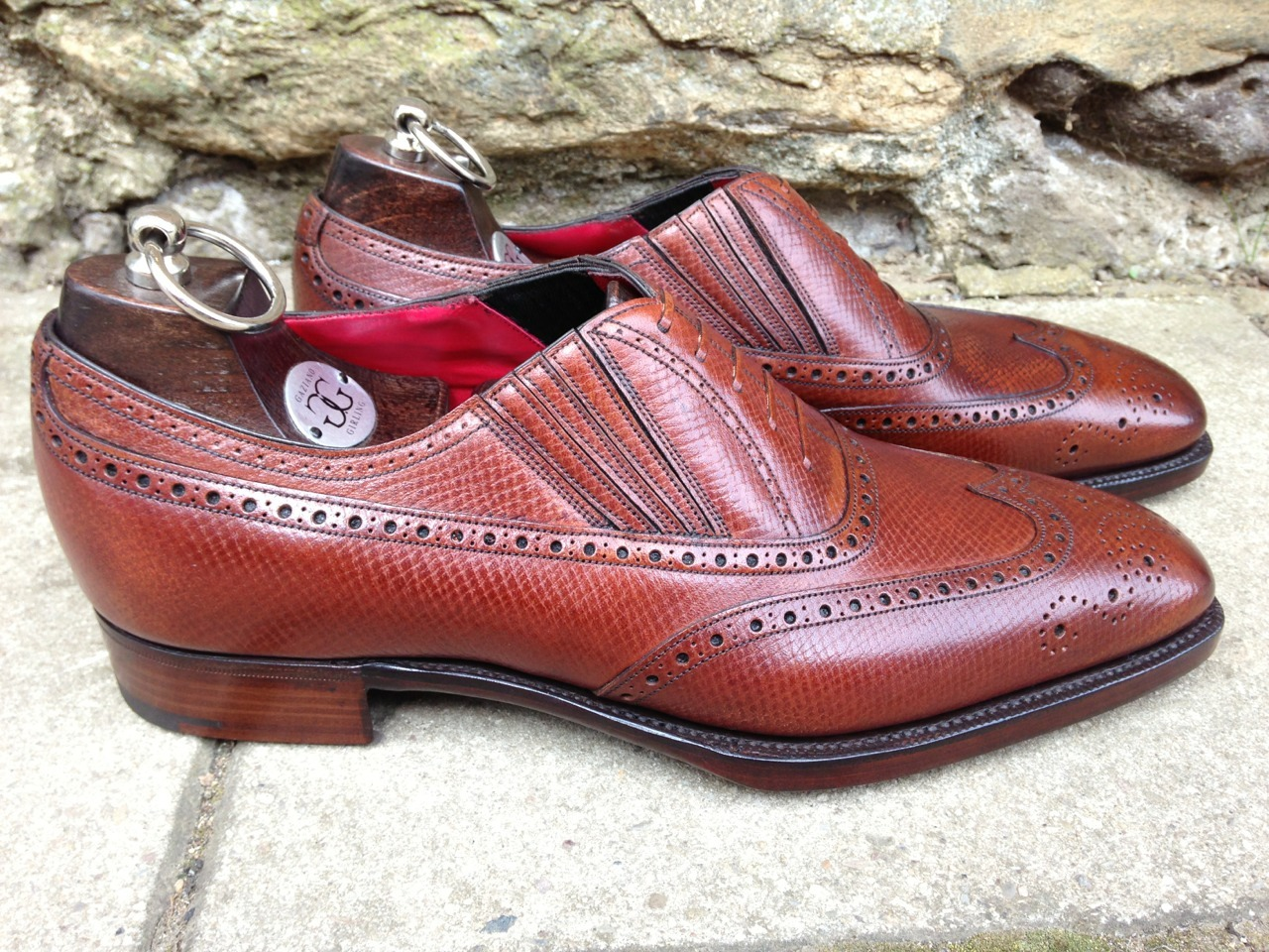 hlckwok1:  bespoke-england:  Dorchester in Chestnut Hatch Grain. Red Lining!  My dear friend's awesome shoe.