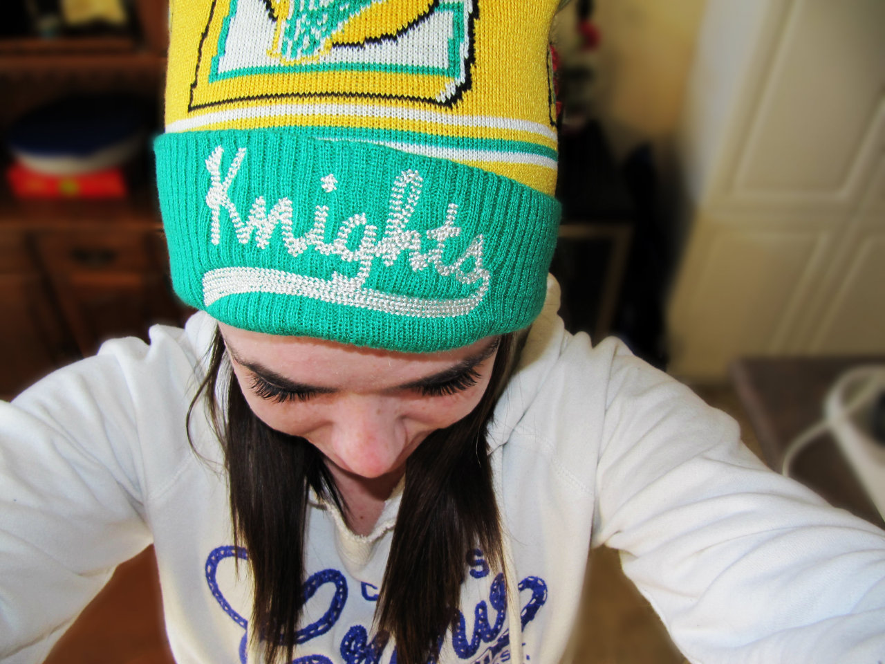 idk i like my hat go london knights ow ow