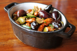 Warm Almonds & Mixed Olives
