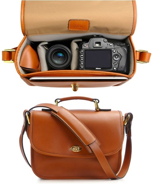 Bags we heart / Leather camera bag - WANT su @weheartit.com - http://whrt.it/12Wkr0x