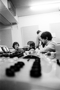 selfmadefreak1:  Jagger, Lennon and Mc Cartney in Abbey Road during Revolver sessions. Great pic !